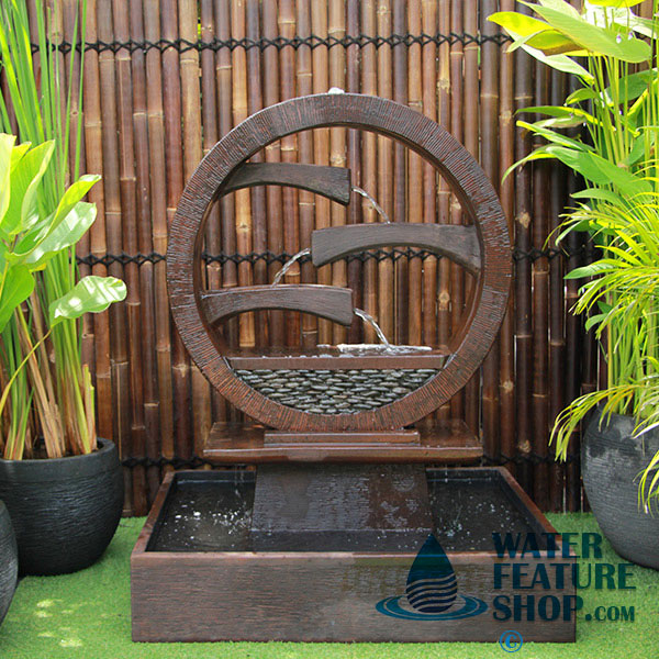 wagon-wheel-fountain-large-rust-1
